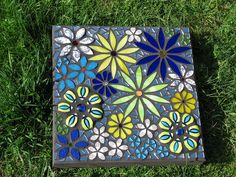 Flower Power by Diane Kitchener, via Flickr (Ceramic)