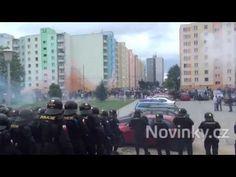 (9) České Budějovice - Pochod proti romům - Brutalita Policie ČR - 29.6.2013 - YouTube Youtube, Youtubers, Youtube Movies