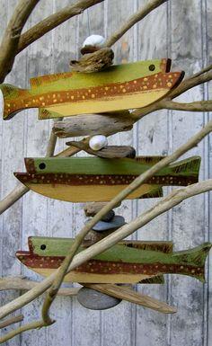 Fish Mobile, Driftwood Fish, Fish Wall Decor, Rainbow Fish, Fish Crafts, Fish Design, Wooden Art, Fish Art, Mobiles