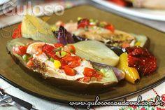 Este Peito de Frango Assado com Berinjelas é uma ótima forma de dar uma variada no #almoço, é super rápido e fácil! Melhor ainda, né?  #Receita aqui: http://www.gulosoesaudavel.com.br/2014/11/12/peito-frango-assado-berinjelas/