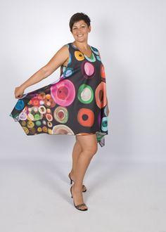 """Vestido de verano """"Disco"""". Vendido.  Viscosa con poliéster.  Disponible ordenar costura de cualquier tamaño en otra tela. Precio depende del consumo y precio de la tela."""