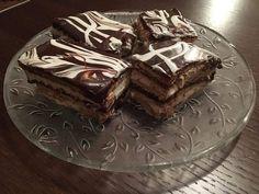 Προφιτερόλ με μπισκότα πτιμπέρ Cooking Recipes, Cake, Desserts, Food, Jars, Tailgate Desserts, Pie, Food Recipes, Kuchen