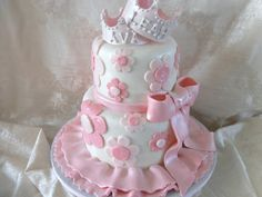 Twin Princesses This cake is for twin girls turning one. The mom asked for a pink, floral and princess-like cake. I had fun with the edible...