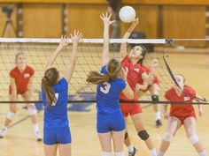 This summer, improve your strength and skills with volleyball workouts and drills you can perform at home from STACK Expert Sarah Coffey. Volleyball Serving Drills, Volleyball Drills For Beginners, Volleyball Tryouts, Volleyball Shirts, Volleyball Quotes, Coaching Volleyball, Girls Softball, Beach Volleyball, Girls Basketball