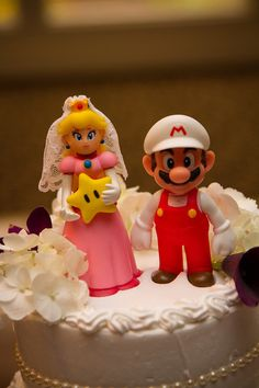 Ann & Justin Wedding. #JDentertainment  #MIWedding #WeddingPhotography #caketopper #gamers