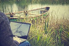 A list of handy apps and websites each digital nomad should start using today. Increase your productivity and work more efficiently on the road!