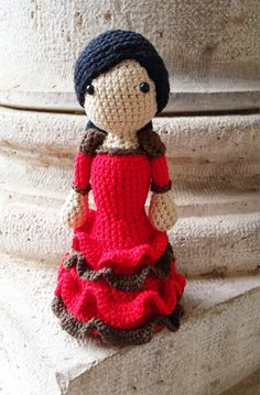 Muñeca Amigurumi Flamenca con Volantes - Patrón Gratis en Español aquí: http://tejiendoconmax.blogspot.com.es/2015/01/flamenca-con-volantes-crochet.html