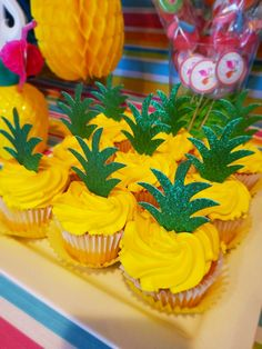 Aloha Party, Luau Theme Party, Hawaiian Party Decorations, Girls Birthday Party Themes, Fruit Party, Beach Party, Spongebob Birthday Party, Fruit Birthday, Luau Birthday Cupcakes