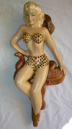 LARGE 50S PIN UP GLAMOUR COWGIRL FIGURE+ SADDLE WALL PLAQUE FIGURE