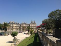 Paris Off the Beaten Path: Quiet Spots in the City - Not only are the gardens breathtaking, filled with flowers and ponds, but the Palais du Luxembourg is a gorgeous architectural treat as well.