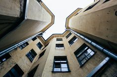 http://www.the-village.ru/village/city/architecture/227027-dvory-spb Самые удивительные дворы Петербурга