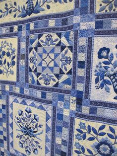 Delft Garden quilt by Gail Smith.  Photo by the Plaid Portico.  2014 Pacific International Quilt Festival.