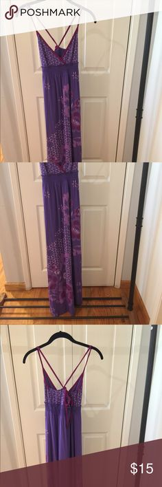 Aeropostale Summer Maxi Dress Honestly the most comfortable dress I've owned but not my style anymore. SO CUTE, perfect for lounging by the beach or pool, or for a vacation dinner. Aeropostale Dresses Maxi