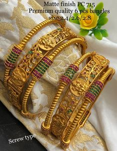 Stunning one gram gold bangles with Ram privar kasu. 30 September 2019 - Stunning one gram gold bangles with Ram privar kasu. Plain Gold Bangles, Gold Bangles Design, Gold Earrings Designs, Gold Jewellery Design, Indian Gold Bangles, Silk Bangles, Gold Wedding Jewelry, Gold Jewelry, Crystal Jewelry