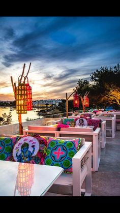 Sapunta ibiza Restaurant Design Vintage, Restaurant Interior Design, Cafe Interior, Restaurant Exterior, Ibiza Restaurant, Outdoor Restaurant, Menus Restaurant, Pool Bar, Bar Mexicano