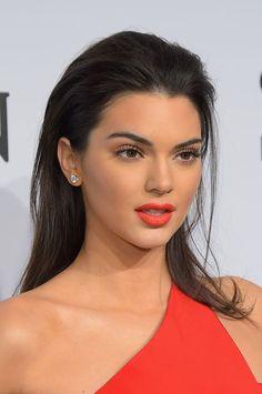 Kendall Jenner - bright orange lips