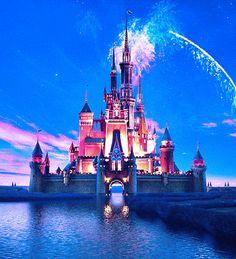 GIF - Disneyland