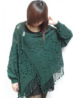 The easy going styling of this is very attractive to me...Crochet Poncho golden green!