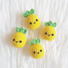 No photo description available. Kawaii Crochet, Crochet Food, Cute Crochet, Crochet Crafts, Yarn Crafts, Crochet Projects, Crochet Animal Patterns, Stuffed Animal Patterns, Crochet Patterns Amigurumi