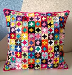 handmade crocheted cushion/pillow cover van maRRoseCCC op Etsy