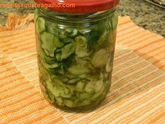 Conserva de Pepino Japonês Agridoce Ingredientes 440g de Pepino Japonês cortado em rodelas finas(cortar no ralador); 150g de...