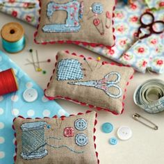 Love these pin cushions! Especially the one with the sewing machine. Pins & needles | TheMakingSpot