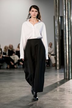 The Row Fall 2017 Ready-to-Wear Collection Photos - Vogue