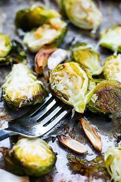 Roasted Garlic Parmesan Brussel Sprouts | Creme de la Crumb