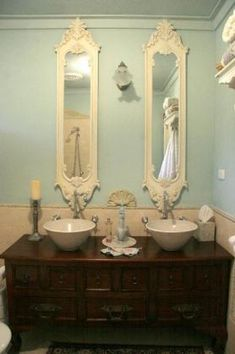 Antique Bathroom is a perfect mix for my art deco era apartment. I'm really excited about my first move.