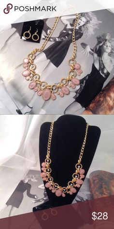 Blush Necklace Set New Listing-4/11/17 This light pink-blush necklace set features rhinestones with shimmer and tiny iridescent rhinestone accents on a gold tone necklace. Included matching 1 inch earrings. The color of the summer! (This closet does not trade) Boutique Jewelry Necklaces