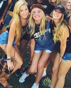 College sorority, tailgate outfit и sorority fashion.