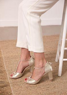 Sezane x Laure Sagazan wedding shoes wedding capsule collection l La Fian … Cowgirl Wedding, Wedding Boots, Diy Wedding, Wedding Favors, Wedding Decorations, Laura Lee, French Wedding Dress, Wedding Dresses, Spring Boots