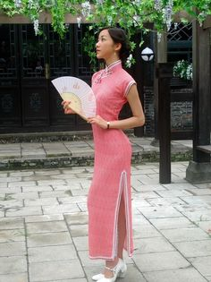 Wear the beauty of the cheongsam Chinese Gown 56ba006c5f86