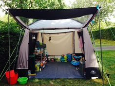 Super camping kitchen set up campsite Ideas Camping Kitchen Set Up, Kitchen Tent, Camping Set Up, Tent Camping, Camping Ideas, Things To Do Camping, Camping Stuff, Cool Camping Gadgets, Camping Crafts For Kids