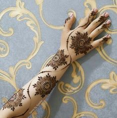 Bridal henna hands awesome ideas for 2019 - Bridal Fashion Inspiration - Henna Designs Hand Modern Henna Designs, Floral Henna Designs, Full Hand Mehndi Designs, Henna Art Designs, Mehndi Designs For Girls, Mehndi Designs For Beginners, Dulhan Mehndi Designs, Mehndi Design Photos, Wedding Mehndi Designs