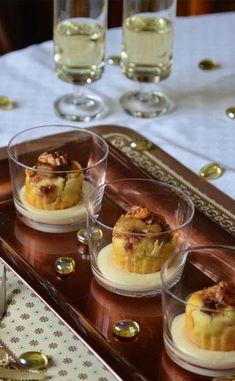 Mise en bouche au foie gras et figues Foie Gras, Appetizer Recipes, Dessert Recipes, Appetizers, Buffets, Caesar Salat, Berry, Salty Foods, Christmas Snacks