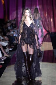 Elie Saab - Haute Couture - Fall / Winter 2003