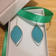 Made a pair of leaf earrings in blue for a lovely customer! Leaf Earrings, Shapes, How To Make, Blue, Etsy, Jewelry, Jewellery Making, Jewerly, Jewelery