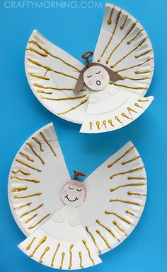 Paper Plate Angel Kids Craft. Craft up sparkly angels with your kids for Christmas using paper plates, glitter, and glue!