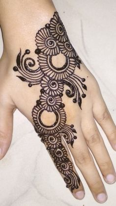 Pretty Henna Designs, Henna Tattoo Designs Simple, Finger Henna Designs, Full Hand Mehndi Designs, Henna Art Designs, Mehndi Designs For Girls, Mehndi Designs For Beginners, Mehndi Design Photos, Dulhan Mehndi Designs