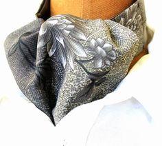 Sieh dir dieses Produkt an in meinem Etsy-Shop https://www.etsy.com/de/listing/268413503/krawattenschalascot-in-grau-und-beige