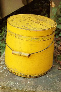 awwwwesome!!! 19c wood firkin with original yellow paint!!!! There is small chip off to wooden handle. 10 in x 10 in. Fab for french country decorating!!