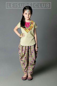 Kids Indian Wear, Kids Ethnic Wear, Dresses Kids Girl, Cute Dresses, Girl Outfits, Beautiful Dresses, Little Girl Fashion, Kids Fashion, Kids Salwar Kameez
