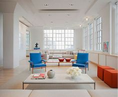I love everything about this space,the light,the color,the furnishings, the white walls,the windows..love it