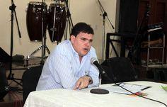 """Julio Antonio Fernández Estrada en conferencia inaugural del evento """"La justicia en Cuba: pasado, presente y futuro"""".  Ponencias disponibles en www.cubaposible.net"""