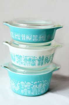 "Vintage Pyrex ""Butterprint"" Casserole Dishes"