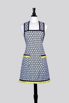 Womens Retro Chef Apron . Cute White Daisies Yellow Centers on Black Old Fashioned Vintage Inspired Kitchen Apron with Pockets by CreativeChics on Etsy