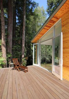 wood-forest-home-with-modern-interiors-and-timber-finishings-5.jpg