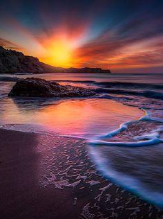 💘💘 Sunset on the sea! 💘💘 💘💘 Sunset on the sea! Beautiful World, Beautiful Places, Beautiful Pictures, Amazing Sunsets, Amazing Nature, Landscape Photography, Nature Photography, Photography Backgrounds, Chicago Photography