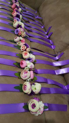 Nedime bilekliği Wedding Favor Bags, Wedding Gifts, Wrist Flowers, Bridal Cuff, Purple Bouquets, Henna Night, Diy Gifts For Friends, Corsage Wedding, Wedding Glasses